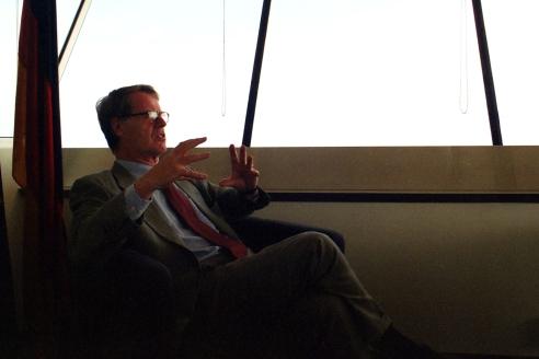 El M. Hble. Sr. Bernhard Brasack dirigeix el Consulat Alemany a Barcelona, que recentment s'ha traslladat a la Torre Mapfre.  -  Fotografia: Xavier Ruiz